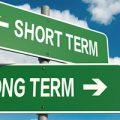 El efecto del corto plazo en el largo plazo.
